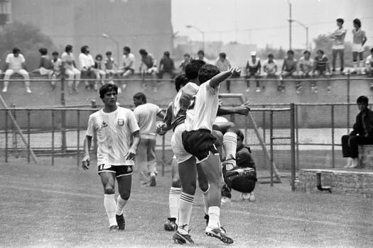 Héctor Enrique durante uno de los partidos preparatorios en la concentración del club América. Foto: LA NACION / Antonio Montano