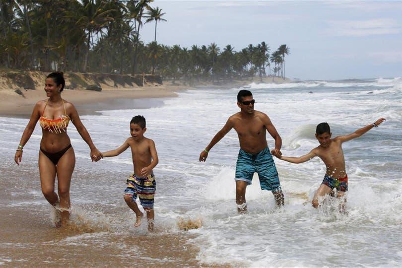 Ante esta situación el gobierno federal decidió anticipar la campaña de inmunización con dosis fraccionadas en Río de Janeiro y San Pablo