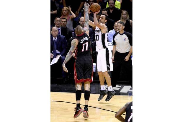 Manu Ginóbili y los Spurs en busca de la gloria.  Foto:Reuters