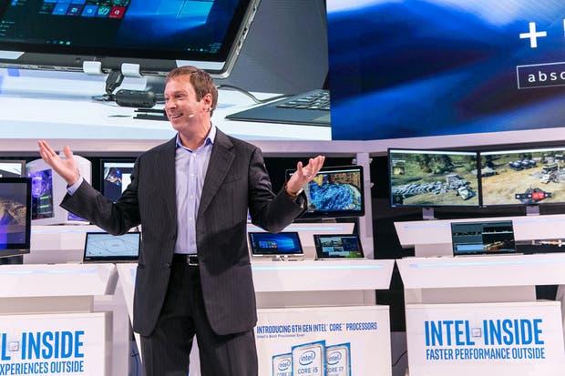 Kirk Skaugen de Intel durante la presentación del nuevo procesador de sexta generación Core Skylake en la feria IFA