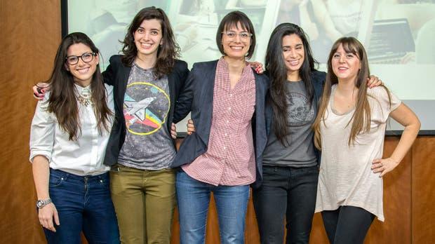 Sofía Contreras, Carolina Hadad, Melina Masnatta, Lucila Rodríguez, Mariana Varela, fundadoras de Chicas en Tecnología