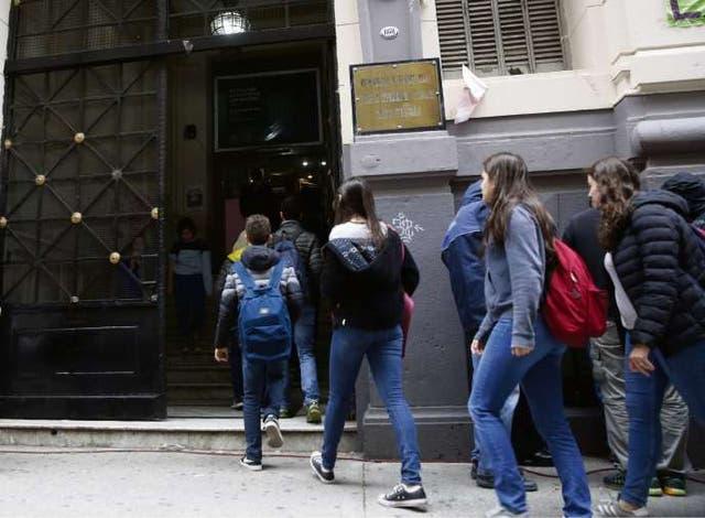 Ayer, después de 20 días, los alumnos regresaron a las aulas