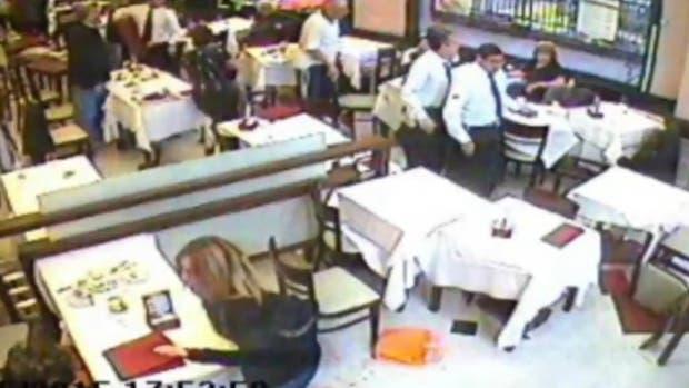 Captura d epantalla de un video que muestra a Bajeneta y la víctima en la confitería