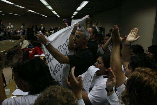 Grupos a favor y en contra del matrimonio gay estuvieron presentes en el debate. Foto: LA NACION / Miguel Acevedo Riú
