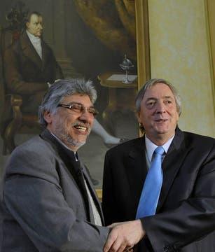 Néstor Kirchner durante una visita al Paraguay, fue recibido por Fernando Lugo, 2 de junio de 2010. Foto: Télam