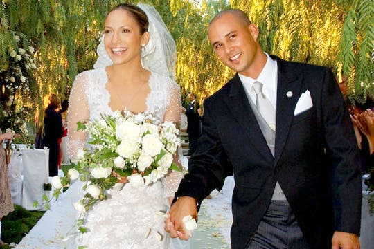 La cantante y actriz junto a su Chris Judd, su segundo marido, quien era su bailarín. Foto: WENN