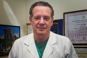 El doctor Oscar Damia, jefe Urología del Hospital Italiano, contó las ventajas que tiene el Da Vinci a la hora de operar