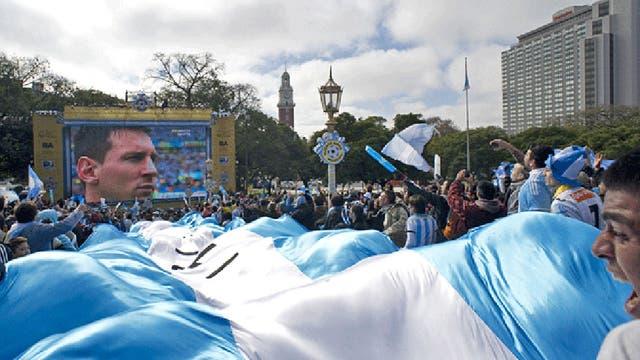 La popularidad mundial de argentinos como el Papa, Messi, Maradona o la reina Máxima de Holanda no ha hecho mucho para desinflar el ego argentino