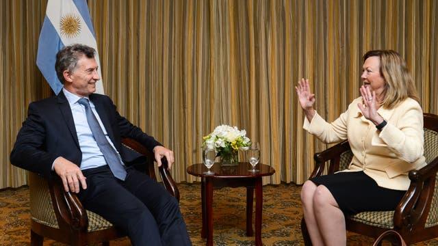 Mauricio Macri se reunió en Houston con la presidente de XTO-Exxon Mobil, Sara Ortwein. Foto: Presidencia