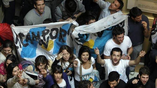 La Cámpora difundió un comunicado para defender a los sindicalistas