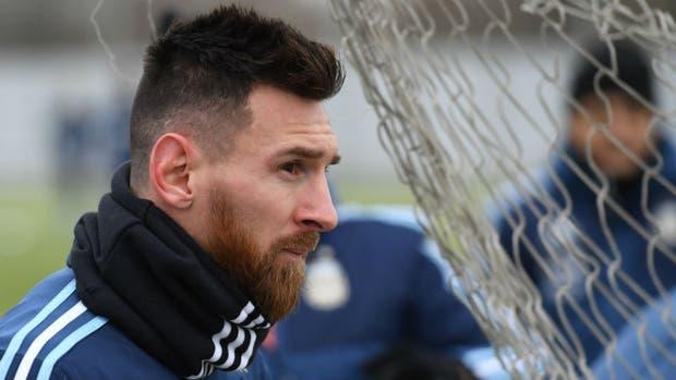 Messi desmiente que él maneja a la selección argentina