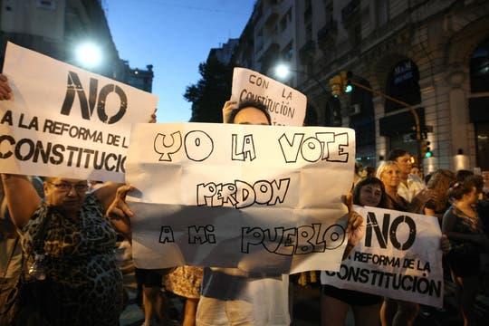La ocurrencia y originalidad de los que participaron en la protesta del #8N. Foto: LA NACION / Mariana Araujo