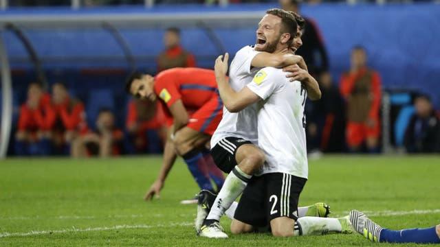 La tristeza de los jugadores chilenos. Foto: Reuters