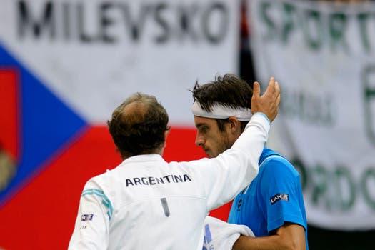 El correntino Leo Mayer le dio dura batalla pero cayó ante el checo Tomas Berdych. Foto: AP