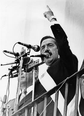 Alfonsín, primer presidente del regreso democrático