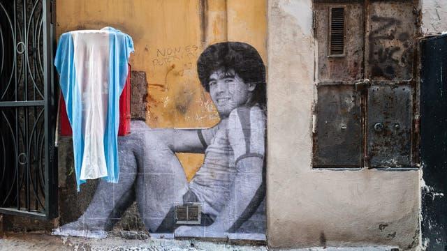 Los murales de San Spiga en Nápoles
