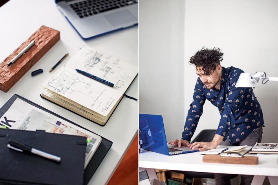 Muy simple, el escritorio de Juan se armó con cabellates y tapa de melamina. Aquí tiene su laptop y una lámpara 'Tolomeo' con brazo articulado, gran favorita de los arquitectos.  Foto:Living /Javier Picerno