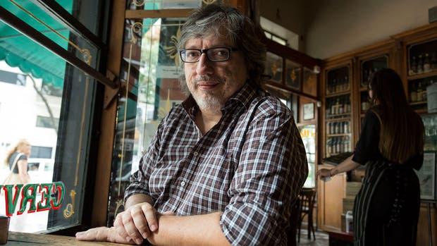 Sergio Olguín presentó su última novela, 1982