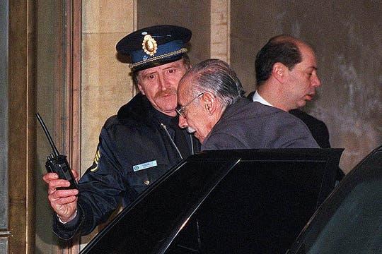 El 20 de junio de 2001 fue a los tribunales de Comodoro Py a declarar por el Plan Cóndor. Foto: Archivo