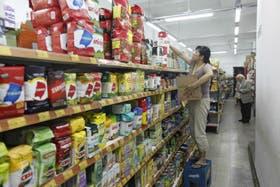 En los comercios que no adhieren al acuerdo, la brecha con los precios regulados puede ser hasta del 32 por ciento