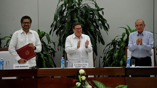 Declaran como 'definitivo' el nuevo acuerdo paz en Colombia
