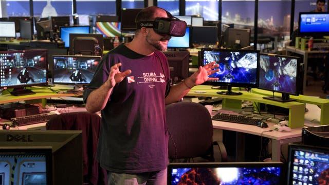 El visor Oculus está pensado para gamers y saldrá al mercado por unos US$ 1500. En la compañía Globant creen que los videojuegos y las producciones de video en 360 grados abren espacio para que la realidad virtual se gane definitivamente un lugar en la vida cotidiana