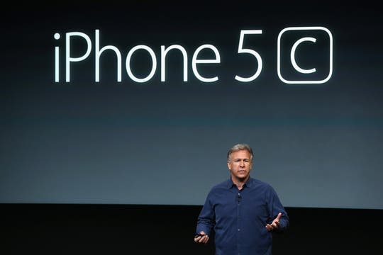 Phil Schiller durante la presentación del segundo modelo de iPhone. Foto: AFP