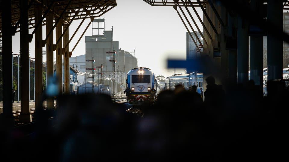La llegada a la estación de Mar del Plata. Foto: LA NACION / Mauro V. Rizzi