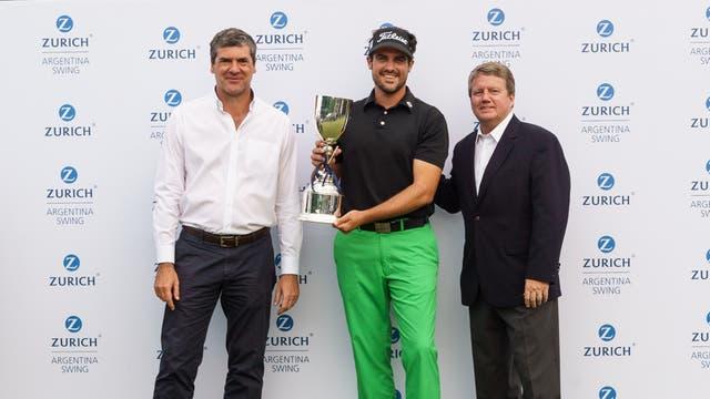 Fabio Rossi, CEO de Zurich Argentina, Samuel Del Val y Jack Warfield, presidente PGA Tour Latinoamérica..