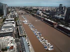 La vía sería subfluvial y podría pagarse con la explotación de los terrenos del ferrocarril en Puerto Madero