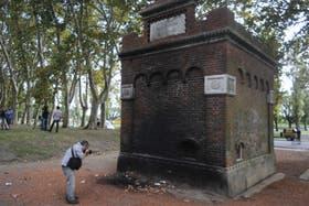 El cuerpo calcinado fue hallado en una plaza ubicada a metros del complejo Le Parc, de Puerto Madero