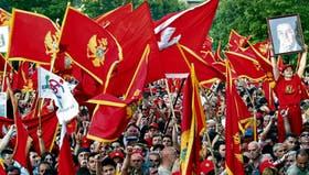Miles de montenegrinos celebraron ayer el resultado del referéndum que los separó de Serbia