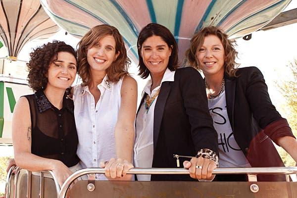 ¡Festejando esta nueva etapa juntas!. Foto: Mariana Roveda. Producción: María Salinas