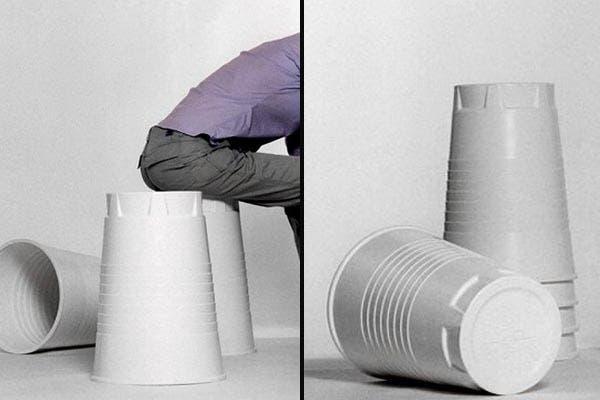 Este taburete con forma de vaso de plástico se llama Qoffee Stool. Diseñado por Rainer Spehl, queda muy divertido en la cocina, el jardín o en el dormitorio de los chicos. Foto: Gentileza www.ddecoracion.com