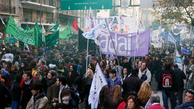 Protestas de universitarios por mejoras presupuestarias.. Foto: LA NACION / Hern�n Zenteno