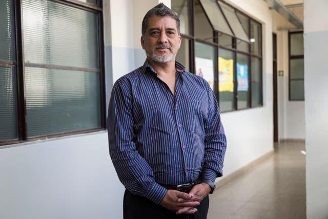 Omar Brandan, el director de la escuela, resalta los cambios positivos de la institución a partir de la incorporación de Lucía y Lourdes