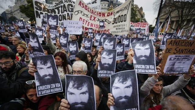 La desaparición de Maldonado mantiene en vilo al gobierno de Mauricio Macri