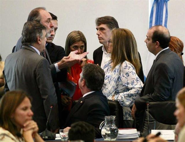 Los legisladores oficialistas debaten el desafuero en la comisión de la Cámara baja