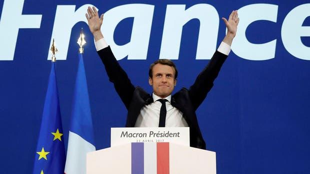 Macron se impone en la primera vuelta y enfrentará a Le Pen el 7 de mayo próximo
