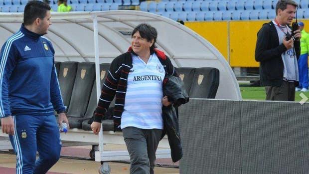 El brujo Manuel junto a la selección en Ecuador