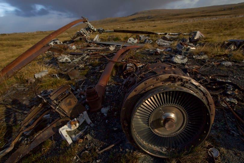 Restos de un helicoptero argentino en Monte Ken. Foto: LA NACION / Rodrigo Néspolo