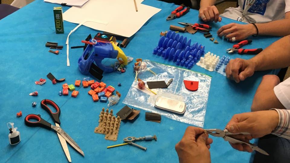 Algunas de las piezas que se usaron para crear las prótesis. Foto: LA NACION
