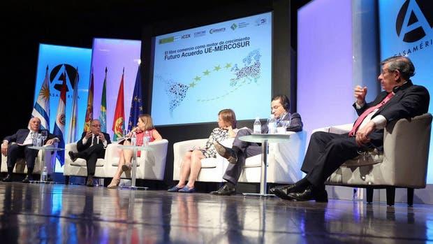 El canciller Faurie, en su encuentro con la Unión Europea, en Madrid