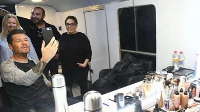 Marcelo Tinelli junto a María Vilariño, Elvio Casciano e Irene Paré, durante la grabación de la apertura de ShowMatch 2017