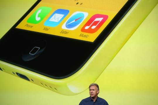 El hardware interno es similar al del iPhone 5 original (incluyendo el nuevo conector). Foto: AFP