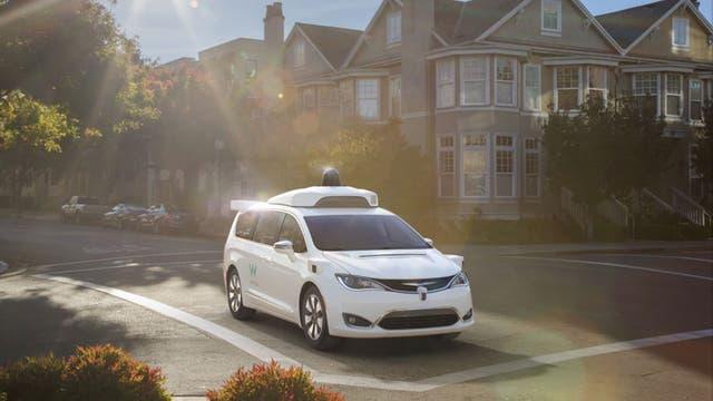 Waymo busca avanzar con las pruebas de conducción autónoma con 100 vehículos de prueba proporcionados por FCA