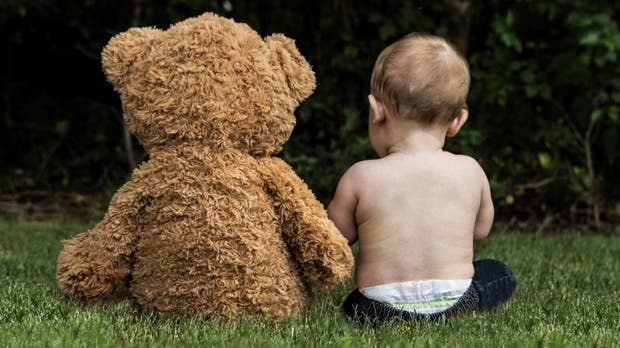 Antes de compartir una imagen de nuestros hijos online, hay que evaluar si no vulnera su intimidad