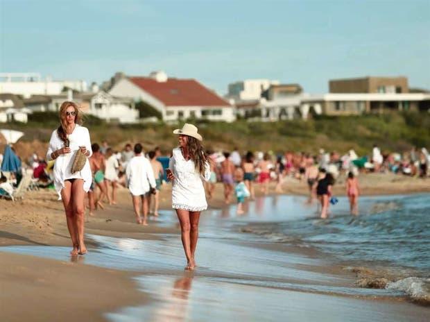 Como nunca, las playas de José Ignacio se llenaron de turistas argentinos