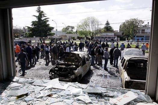 Graves incidentes en la sede de la Uocra en Florencio Varela. Foto: DyN