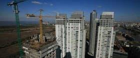 La torre Renoir II será la más alta del país, con 175 m; detrás, las Le Parc y las Mulieris